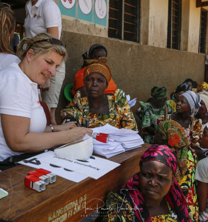 Flemish medical team at work in the outreach of Uganda